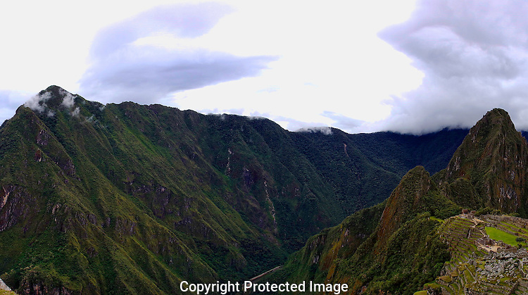 Machupicchu (Old Mountain) on left, Waynapicchu (Young Mountain) on right.