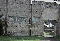 Italy: Rome--Palace Walls, Palatine Hill. Photo '82.