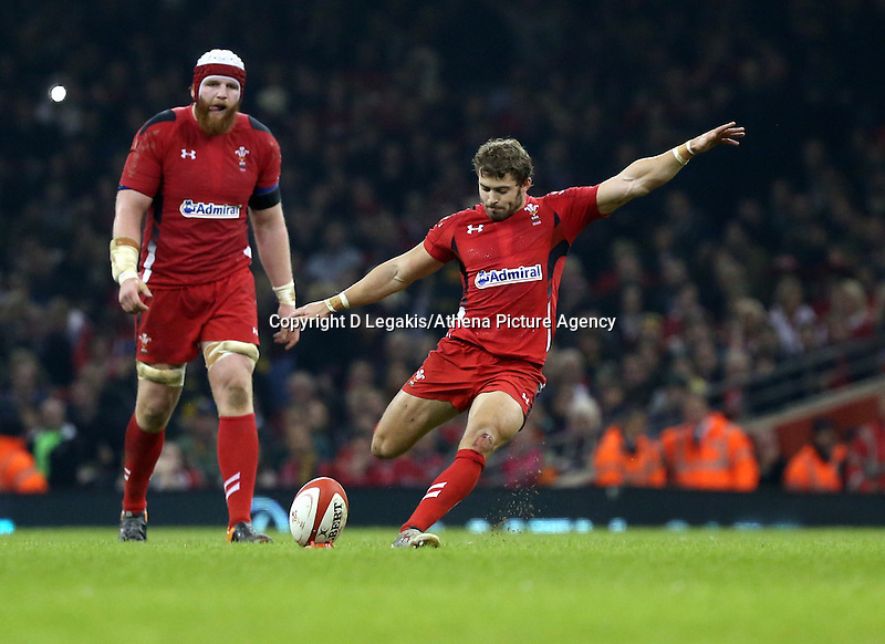Pictured: Leigh Halfpenny of Wales (R) scores three points with another kick, making the score 6-3 to his team Saturday 29 November 2014<br /> Re: Dove Men Series 2014 rugby, Wales v South Africa at the Millennium Stadium, Cardiff, south Wales, UK.