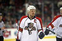 Olli Jokinen (Panthers)<br /> New Jersey Devils vs. Florida Panthers<br /> *** Local Caption *** Foto ist honorarpflichtig! zzgl. gesetzl. MwSt. Auf Anfrage in hoeherer Qualitaet/Aufloesung. Belegexemplar an: Marc Schueler, Am Ziegelfalltor 4, 64625 Bensheim, Tel. +49 (0) 6251 86 96 134, www.gameday-mediaservices.de. Email: marc.schueler@gameday-mediaservices.de, Bankverbindung: Volksbank Bergstrasse, Kto.: 151297, BLZ: 50960101