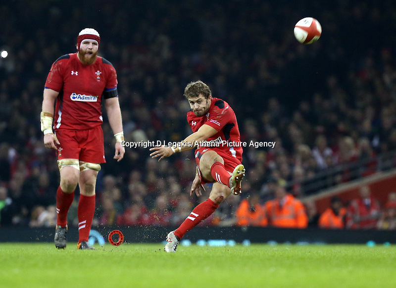 Pictured: Saturday 29 November 2014<br /> Re: Dove Men Series 2014 rugby, Wales v South Africa at the Millennium Stadium, Cardiff, south Wales, UK.