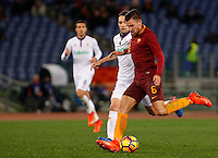 Calcio, Serie A: Roma vs Fiorentina. Roma, stadio Olimpico, 7 febbraio 2017.<br /> Roma's Kevin Strootman, right, is challenged by Fiorentina's Milan Badelj during the Italian Serie A soccer match between Roma and Fiorentina at Rome's Olympic stadium, 7 February 2017.<br /> UPDATE IMAGES PRESS/Riccardo De Luca