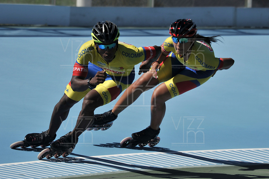 NANJING - CHINA - 23 - 08 - 2017: Ivan Campo (Izq.) y Valeria Gonzalez (Der.) patinadores de la Selección Colombia, durante entreno en el patinodromo Olimpico de Nanjing en la ciudad de Nainjing en La Republica Popular de China. /  Ivan Campo (L) and Valeria Gonzalez (R) skaters of the Colombia Team, during a training at the skating rink Olimpic Patinodromo of Nanjing in the city of Nanjing in People's Republic of China. / Photo: VizzorImage / Luis Ramirez / Staff.