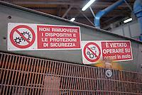 - plant for the selection of glass, safety signage....- impianto per la selezione del vetro, segnaletica antinfortunistica