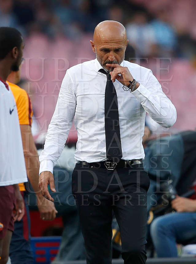 Calcio, Serie A: Napoli vs Roma. Napoli, stadio San Paolo, 15 ottobre. <br /> Roma's coach Luciano Spalletti during the Italian Serie A football match between Napoli and Roma at Naples' San Paolo stadium, 15 October 2016. Roma won 3-1.<br /> UPDATE IMAGES PRESS/Isabella Bonotto