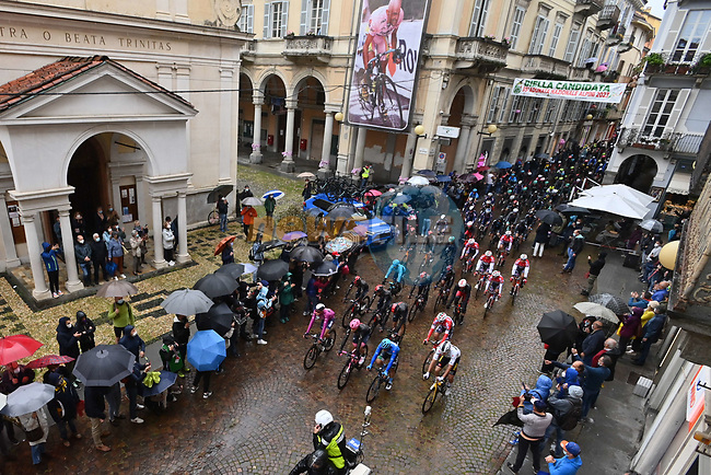 The neutral start of Stage 3 of the 2021 Giro d'Italia, running 190km from Biella to Canale, Italy. 10th May 2021.  <br /> Picture: LaPresse/Gian Mattia D'Alberto | Cyclefile<br /> <br /> All photos usage must carry mandatory copyright credit (© Cyclefile | LaPresse/Gian Mattia D'Alberto)