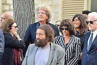 Anouk AIME - Marek HALTER - Lionel JOSPIN et sa compagne Sylviane AGACINSKI - Elie CHOURAQUI - Emmanuelle ALT - Obseques Sonia Rykiel - Cimetiere du Montparnasse - Paris - FRANCE