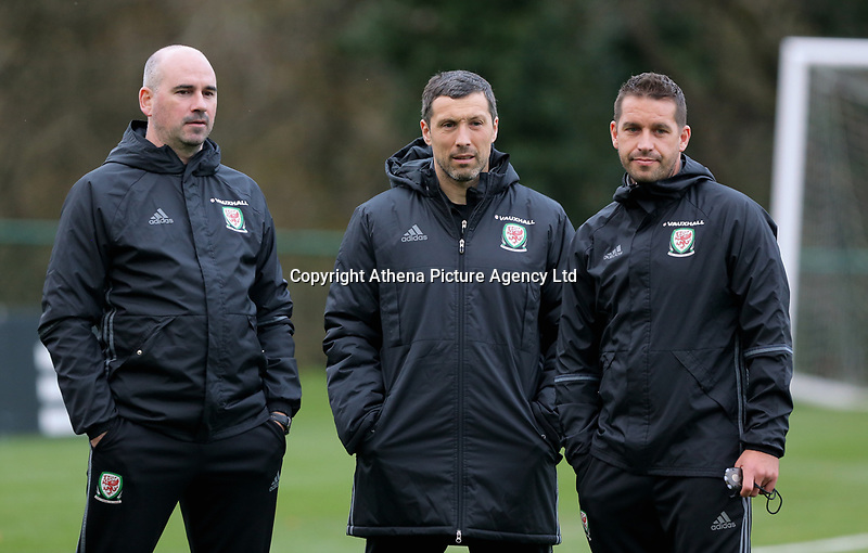 (L-R) Team psychologist Dr Ian Mitchell, Ryland Morgans in action during the Wales Training Session at The Vale Resort, Wales, UK. 06 November 2017
