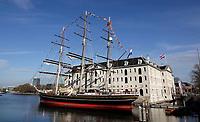 Nederland - Amsterdam- 2020. De Clipper Stad Amsterdam ligt voor het Scheepvaart Museum. Foto ANP / HH / Berlinda van Dam