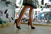 Loja de calçados em Barra Mansa. Rio de Janeiro. 2006. Foto de Rogério reis.