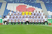 VOETBAL: HEERENVEEN: Abe Lenstra Stadion 16-07-2015, Teamfoto SC Heerenveen, ©foto Martin de Jong<br /> <br /> Achterste rij (van links naar rechts)?Harmen Kuperus (keeperstrainer), Tarik Kada, Willem Huizing, Michel Vlap, Maarten de Fockert, Erwin Mulder, Wieger Sietsma, Rewan Amin, Joris Voest, Rannick Schoop, Vincent Schinkel (fysiotherapeut)??Middelste rij (van links naar rechts)?Herman van Dijk (teammanager), Robert van Koesveld, Morten Thorsby, Pascal Huser, Branco van den Boomen, Henk Veerman, Joost van Aken, Pelle van Amersfoort, Kenneth Otigba, Younes Namli, Doke Schmidt, Erik ten Voorde (fysiotherapeut)<br /> Voorste rij (van links naar rechts)?Tieme Klompe (assistent-trainer), Lucas Bijker, Caner Cavlan, Luciano Slagveer, Jordy Buijs, Sam Larsson, Dwight Lodeweges (trainer/coach), Simon Thern, Joey van den Berg, Stefano, Jeremiah St. Juste, Pele van Anholt, Johnny Jansen (assistent-trainer)