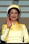 December 23, 2012, Tokyo, Japan - Princess Kiko, wife of Prince Akishino, waves to a throng of well-wishers from behind the bullet-proof glass panel of the Imperial Palace balcony during a general audience in Tokyo on Sunday, December 23, 2012, on the 79th birthday of Emperor Akihoto. (Photo by AFLO) UUK -mis-