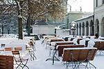 Deutschland, Bayern, Muenchen: Winterimpressionen beim Cafe und Restaurant Luigi Tambosi am Hofgarten | Germany, Bavaria, Munich: winter scene at Cafe and Restaurant Luigi Tambosi at Hofgarten