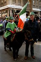 le defile de la Saint-Patrick<br /> 1987 , en mars<br /> (date exacte inconnue)<br /> <br /> <br /> PHOTO :  : Agence Quebec Presse
