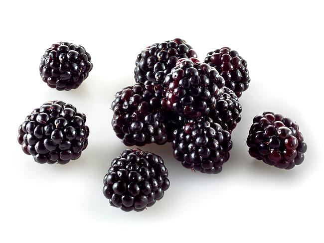 Fresh whole blackberries