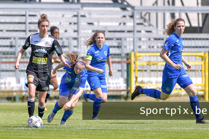 Justine Blave (22) of Eendracht Aalst , Fleur Pauwels (66) of KRC Genk pictured during a female soccer game between Eendracht Aalst and Racing Genk on the 10 th and last matchday of play off 2 of the 2020 - 2021 season of Belgian Scooore Womens Super League , Saturday 29 st of May 2021  in Aalst , Belgium . PHOTO SPORTPIX.BE | SPP | STIJN AUDOOREN