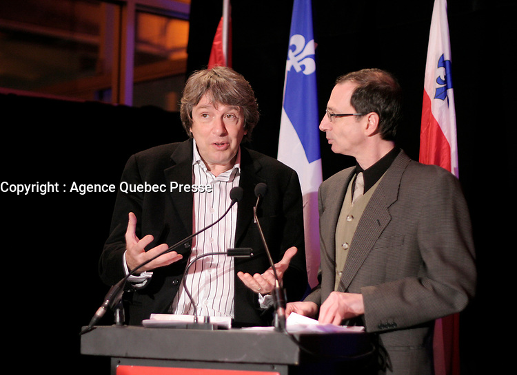 February 16 2006, Montreal (Qc) CANADA<br /> Alain Simard, Founder and Chairman of the Board / Fondateur et President du Conseil<br /> <br /> <br /> Michel Labrecque, President and General Manager / President-Directeur-General Festival Montreal en lumiere<br /> Photo : Pierre Roussel / Images Distribution