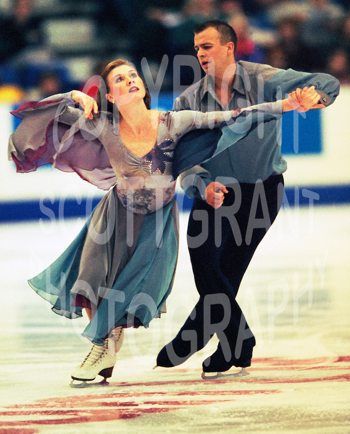 Debbie Koegel and Oleg Fediukov of the United States compete at Skate Canda. Photo copyriight Scott Grant.