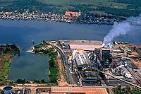Aérea do Projeto Jari na Vila Laranjal do Jari, divisa entre Pará e Amapá. 2002. Foto de Renata Mello.