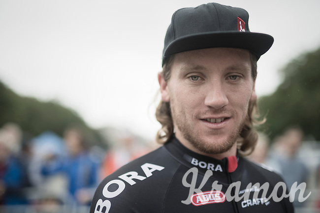 After crashing out of stage 17 of the 2016 Tour de France (where he broke his pelvis, but finished that day!!), Shane 'The Mullet' Archbold (NZL/Bora-Argon 18) is back at the start of a race for the first time since less then 7 weeks later. <br /> He said he would be happy to make it to the feedzone, but eventually even managed to hang on for a long time after that... it wasn't easy-peasy though.<br /> <br /> Brussels Cycling Classic 2016