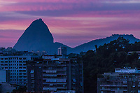 Rio de Janeiro (RJ), 06/05/2020 - Clima-Rio - Amanhecer desta quarta-feira (06), vista do bairro das Laranjeiras, zona sul do Rio de Janeiro. (Foto: Ellan Lustosa/Codigo 19/Codigo 19)