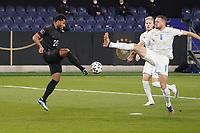 Serge Gnabry (Deutschland Germany) gegen Ragnar Sigurdsson (Island Iceland) - 25.03.2021: WM-Qualifikationsspiel Deutschland gegen Island, Schauinsland Arena Duisburg