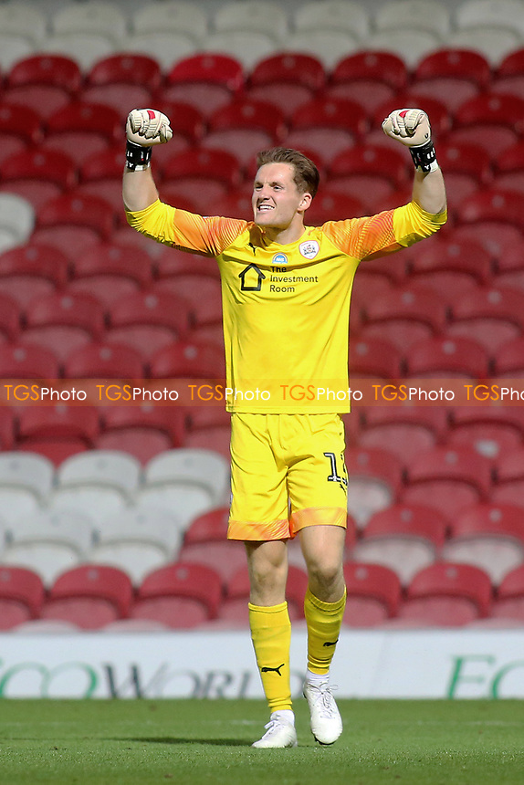 Barnsley goalkeeper, Jack Walton celebrates their victory at the final whistle during Brentford vs Barnsley, Sky Bet EFL Championship Football at Griffin Park on 22nd July 2020