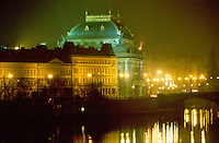 - Prague, National theater and Moldava river<br />