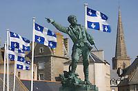 Europe/France/Bretagne/Ille et Vilaine/Saint-Malo: Statue  de Surcouf sur les remparts- Intramuros