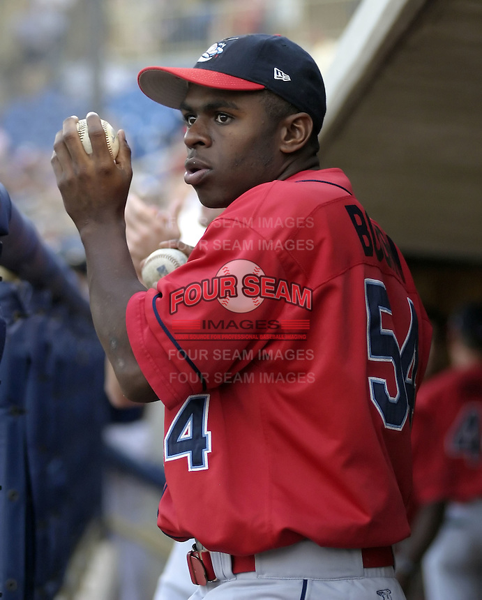 June 7, 2004:  Michael Bourn of the Lakewood Blueclaws, Low-A South Atlantic League affiliate of the Philadelphia Phillies, during a game at Classic Park in Eastlake, OH.  Photo by:  Mike Janes/Four Seam Images