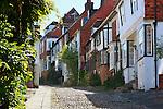 Grossbritannien, England, East Sussex, Rye: alte Haeuser in der Mermaid Street | Great Britain, England, East Sussex, Rye: Old houses and cobbled street along Mermaid Street