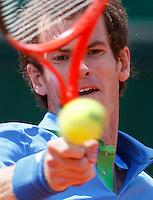 Tenis, Roland Garros 2011.Viktor Troicki (SRB) Vs. Andy Murray (GBR).Andy Murray, returns the ball.Paris, 31.05.2011..foto: Srdjan Stevanovic/Starsportphoto ©