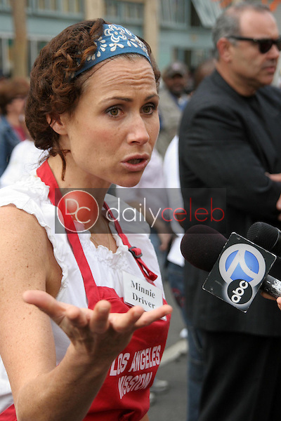 Minnie Driver<br />at The Los Angeles Mission Thanksgiving Meal for the Homeless hosted by Kirk and Anne Douglas. Los Angeles Mission, Los Angeles, CA. 11-22-06<br />Dave Edwards/DailyCeleb.com 818-249-4998