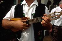 Las Palmas, Timple-Spieler, Folklore im Pueblo Canario, Gran Canaria, Kanarische Inseln, Spanien