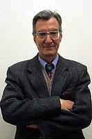 Carlo Lizzani è un regista, sceneggiatore, attore e produttore cinematografico italiano. Carlo Lizzani is a director, screenwriter, actor and film producer Italian....