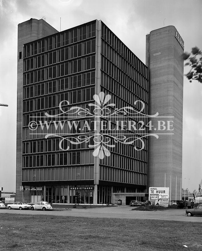 April 1975. Gebouw Ahlers in Antwerpen.