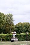 Infinun.e<br /> <br /> Fanny Vignals direction artistique et chorégraphie; Alberto Carretero composition et direction musicale; Marta Capaccioli, Justine Lebas, Raoul Riva, Marie Simon danse; Ahmed Amine Ben Feguira, Nicolas Garnier, Clotilde Rullaud musique; Elsa Marquet-Lienhart musique et danse<br /> Abbaye de Royaumont - Ruines de l'abbatiale<br /> 25/08/2018