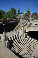 Ottawa (ON) CANADA - Mai 21, 2012 --  War Monument...