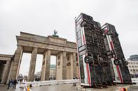 "2017/11/10 Kultur |  Brandenburger Tor | Bus-Skulptur ""Monument"""
