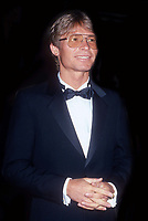 John Denver 1982 <br /> Photo By John Barrett/PHOTOlink