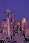 USA, WASHINGTON, SEATTLE, SKYLINE WITH SPACE NEEDLE