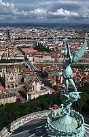 Europe/France/Rhône-Alpes/69/Rhone/Lyon: Saint Jean de Bellecour depuis le clocher de la basilique Notre-Dame de Fourvière