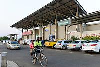 MALAWI, Lilongwe, shoprite Supermarket, bicycle Taxi