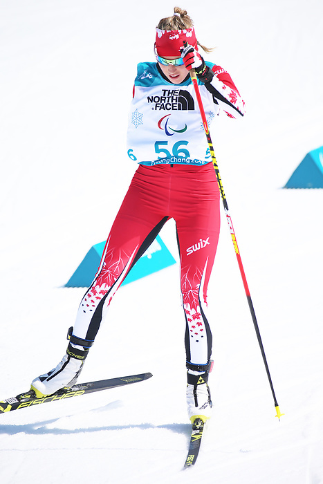 Emily Young, PyeongChang 2018. Para Nordic Skiing // Ski paranordique.<br /> Emily Young competes in the womens 6km standing event // Emily Young participe au 6 km debout féminin. 10/03/2018.