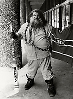 August 1st 1980 Fle Photo Montreal (Qc) Canada   - the great Antonio (Grand Antonio)<br />  pose with chains in front of Montreal's Forum