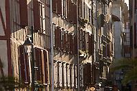 Europe/France/Aquitaine/64/Pyrénées-Atlantiques/Pays Basque/ Bayonne: facades de maison rue Fort de Castets