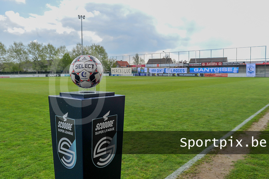 match ball pictured before a female soccer game between AA Gent Ladies and Oud Heverlee Leuven on the fourth matchday of play off 1 in the 2020 - 2021 season of Belgian Scooore Womens Super League , saturday 1 st of May 2021  in Oostakker , Belgium . PHOTO SPORTPIX.BE | SPP | STIJN AUDOOREN