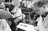 Cafeteria bei Barnes and Noble. Angeblich die groeßte Buchladen der Welt.<br /> New York City, 3.1.1999<br /> Copyright: Christian Ditsch/version-foto.de