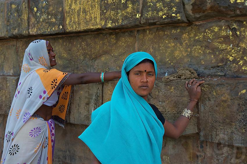 Removing the Gold at Varanasi Sarnath  Buddhist Area, Temple and Dhaekh Stupa India