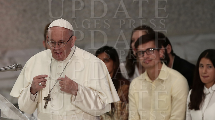 Pope Francis speaks during a meeting with the youth and the Synod Fathers in the Paul VI Hall at the Vatican, on October 6, 2018. <br /> UPDATE IMAGES PRESS/Isabella Bonotto<br /> <br /> STRICTLY ONLY FOR EDITORIAL USE